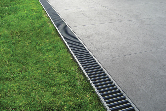 Exceptionnel Are You Needing To Sort The Surface Drainage Of Your Patio Or Driveway? TBS  Stocks Channel Drainage Systems From ACO, A UK Market Leader.